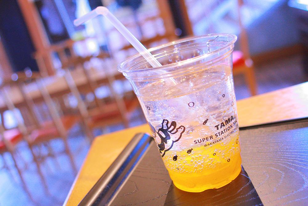 たまカフェ(貴志駅構内)